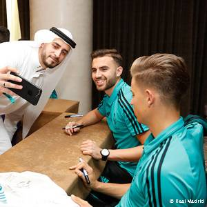 Meeting the fans in Abu Dhabi