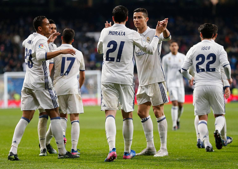 El Madrid aumenta su ventaja aprovechando los tropiezos de todos sus perseguidores.
