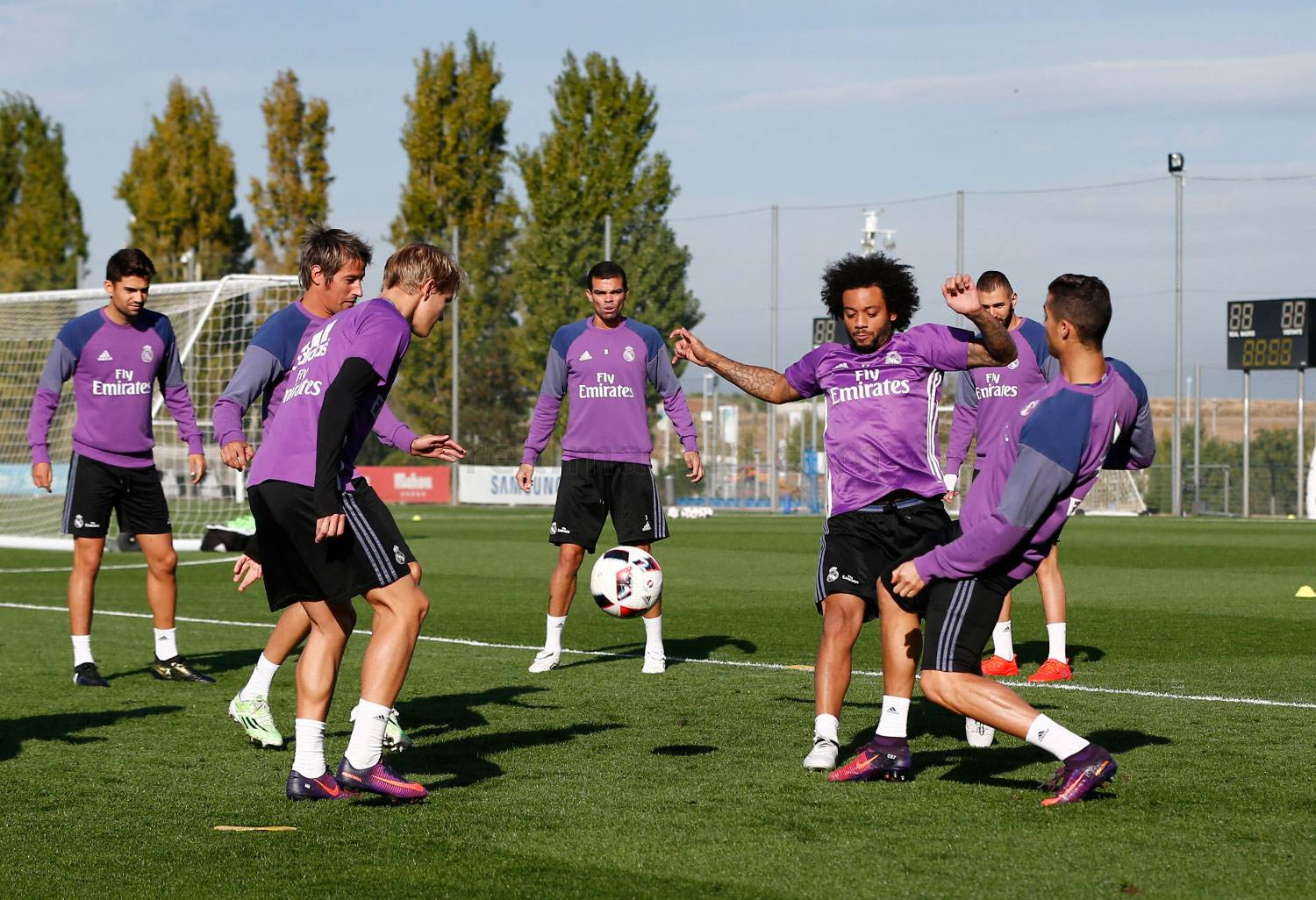 Real Madrid - Entrenamiento del Real Madrid - 25-10-2016