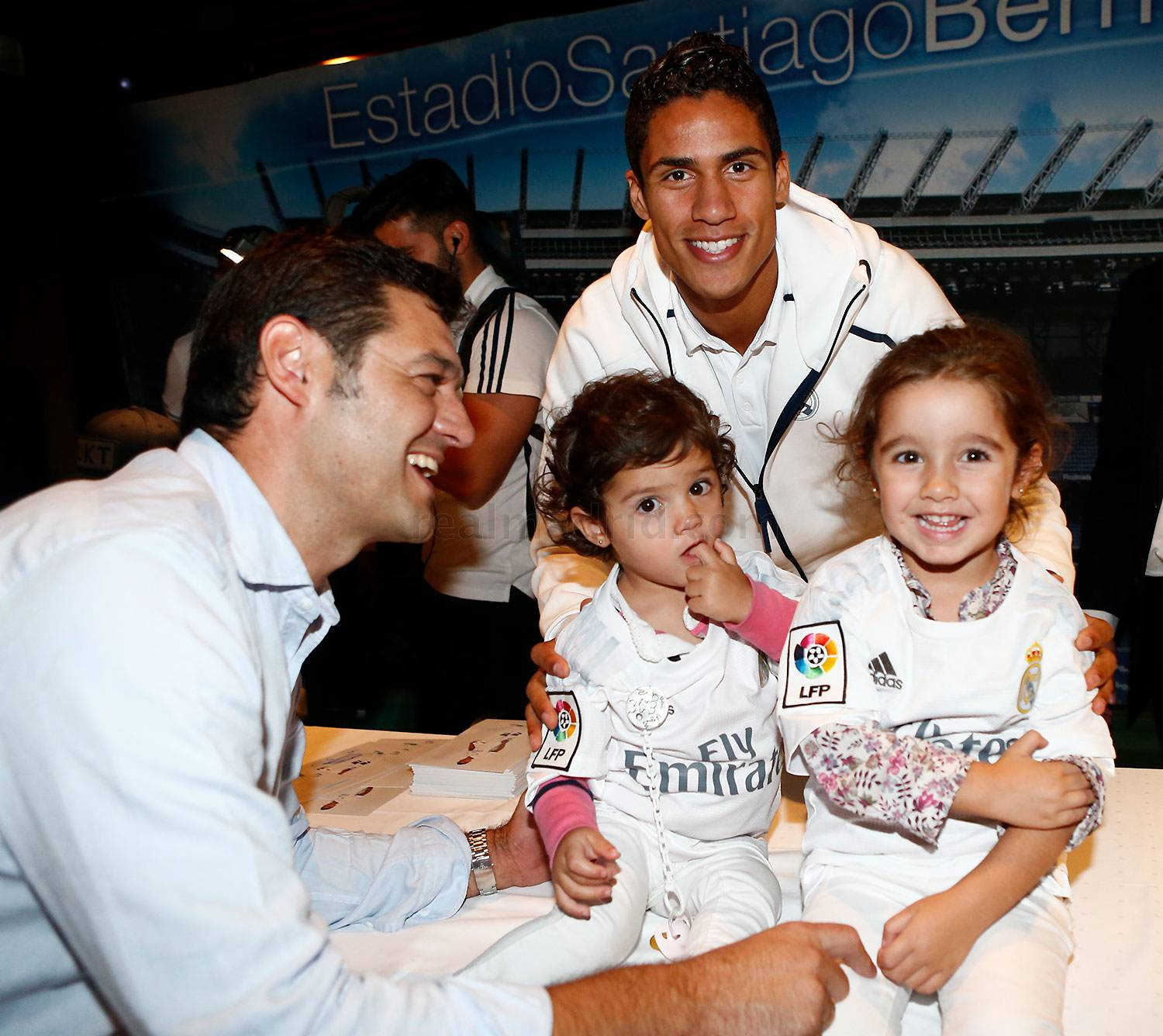 Firmas del Real Madrid en Vitoria