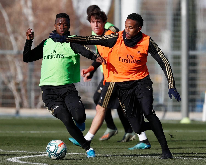 Vinícius y Eder Militao, en la sesión de este viernes del Real Madrid (Foto: RM).
