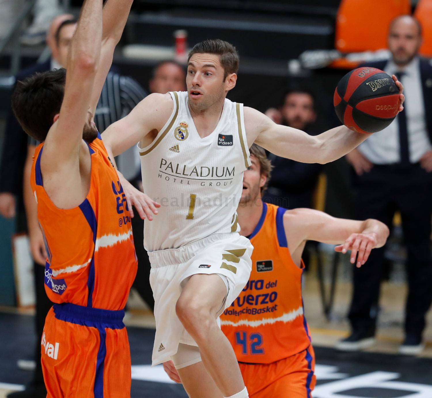 Real Madrid Valencia Basket Photos Real Madrid Cf