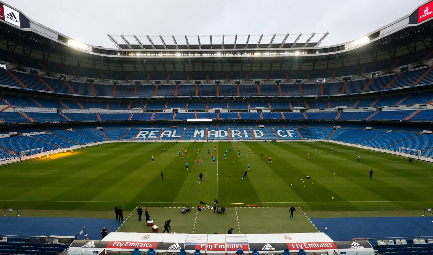Real Madrid - Entrenamiento del Real Madrid en el estadio Santiago Bernabéu - 31-12-2017