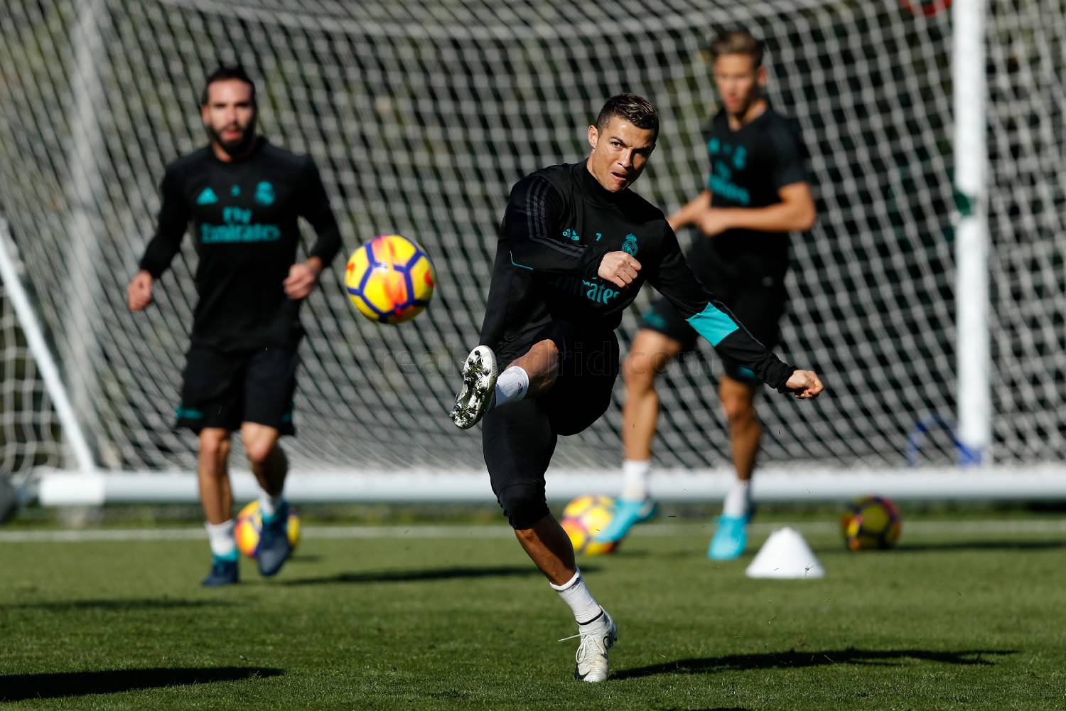 Isco And Modric Return To The Group Real Madrid Cf