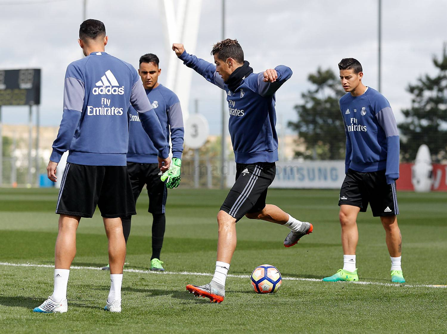 Real Madrid - Entrenamiento del Real Madrid - 13-05-2017