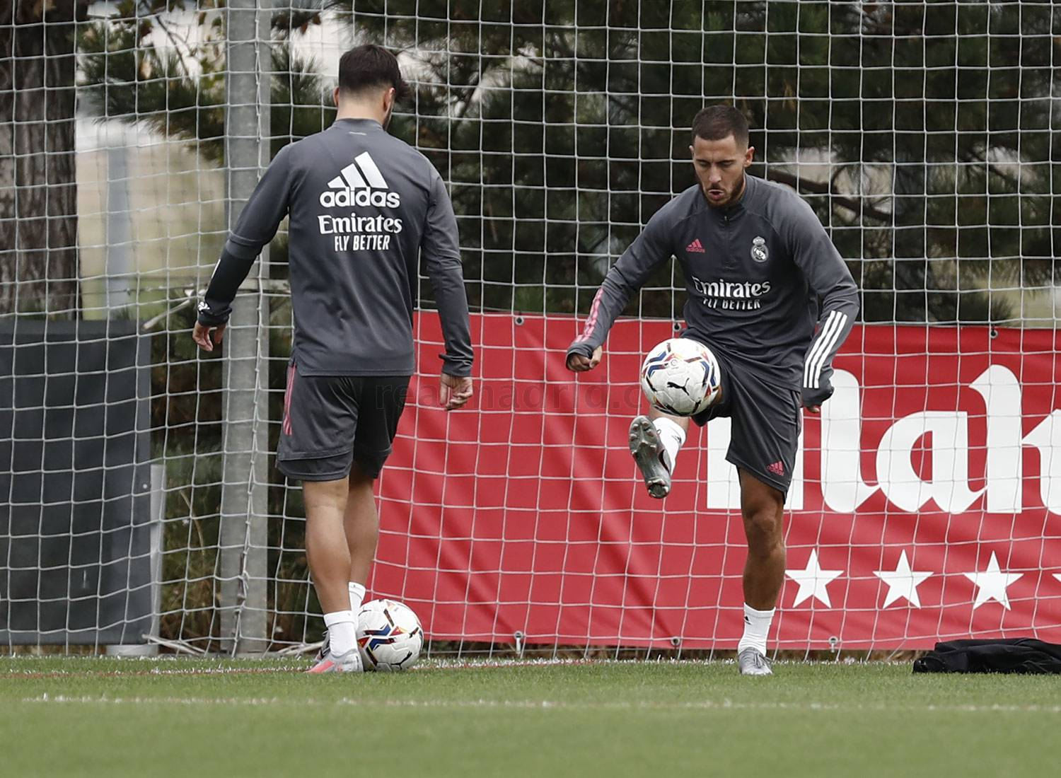 Real Madrid - Entrenamiento del Real Madrid  - 18-09-2020