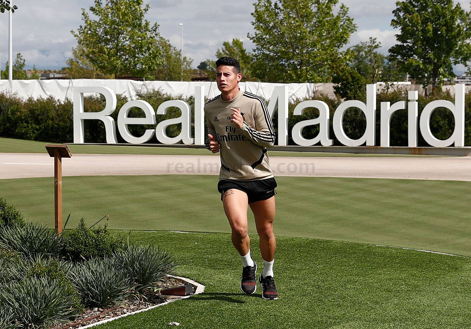 Real Madrid - Entrenamiento del Real Madrid  - 16-05-2020