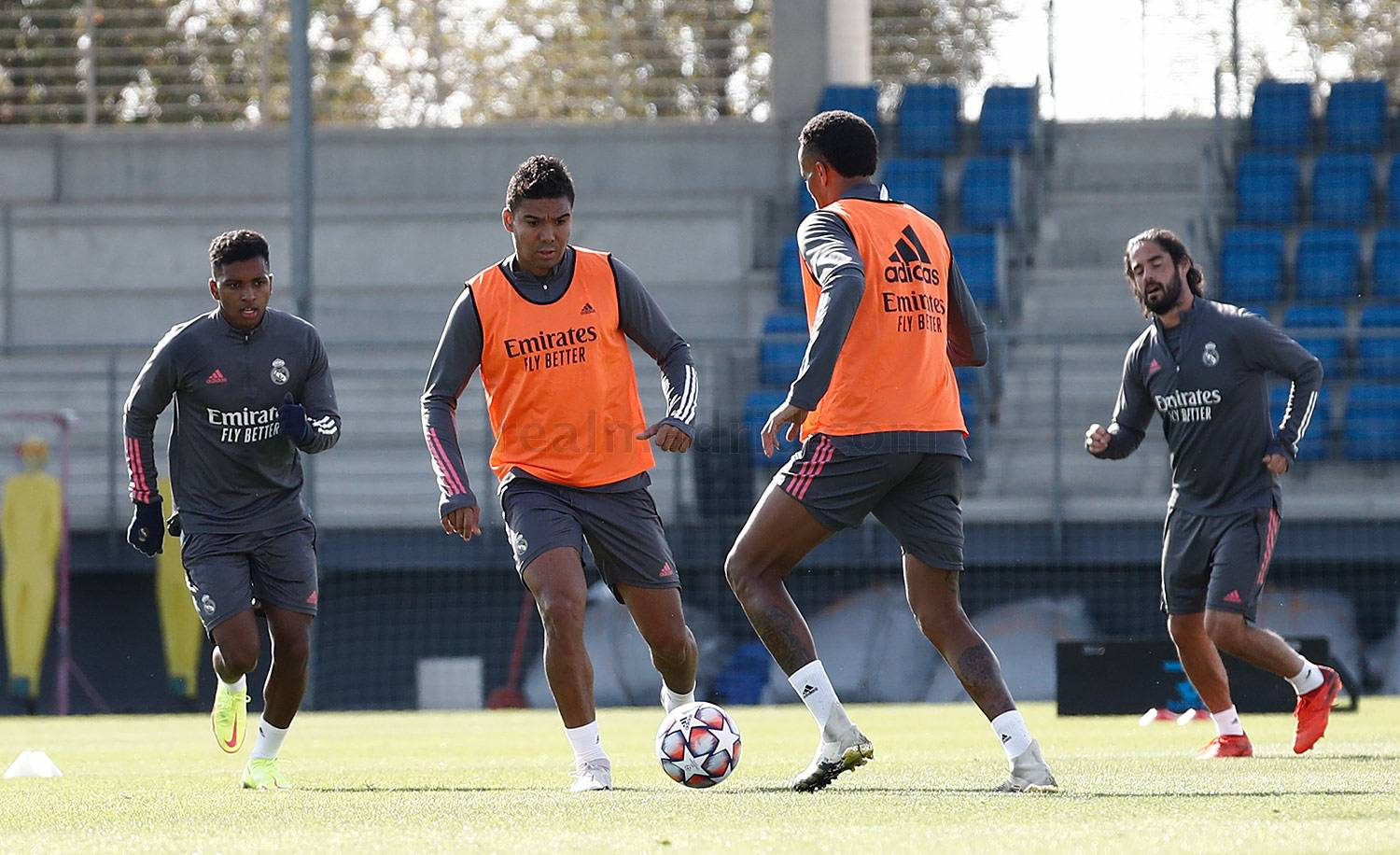 Real Madrid - Entrenamiento del Real Madrid  - 18-10-2020