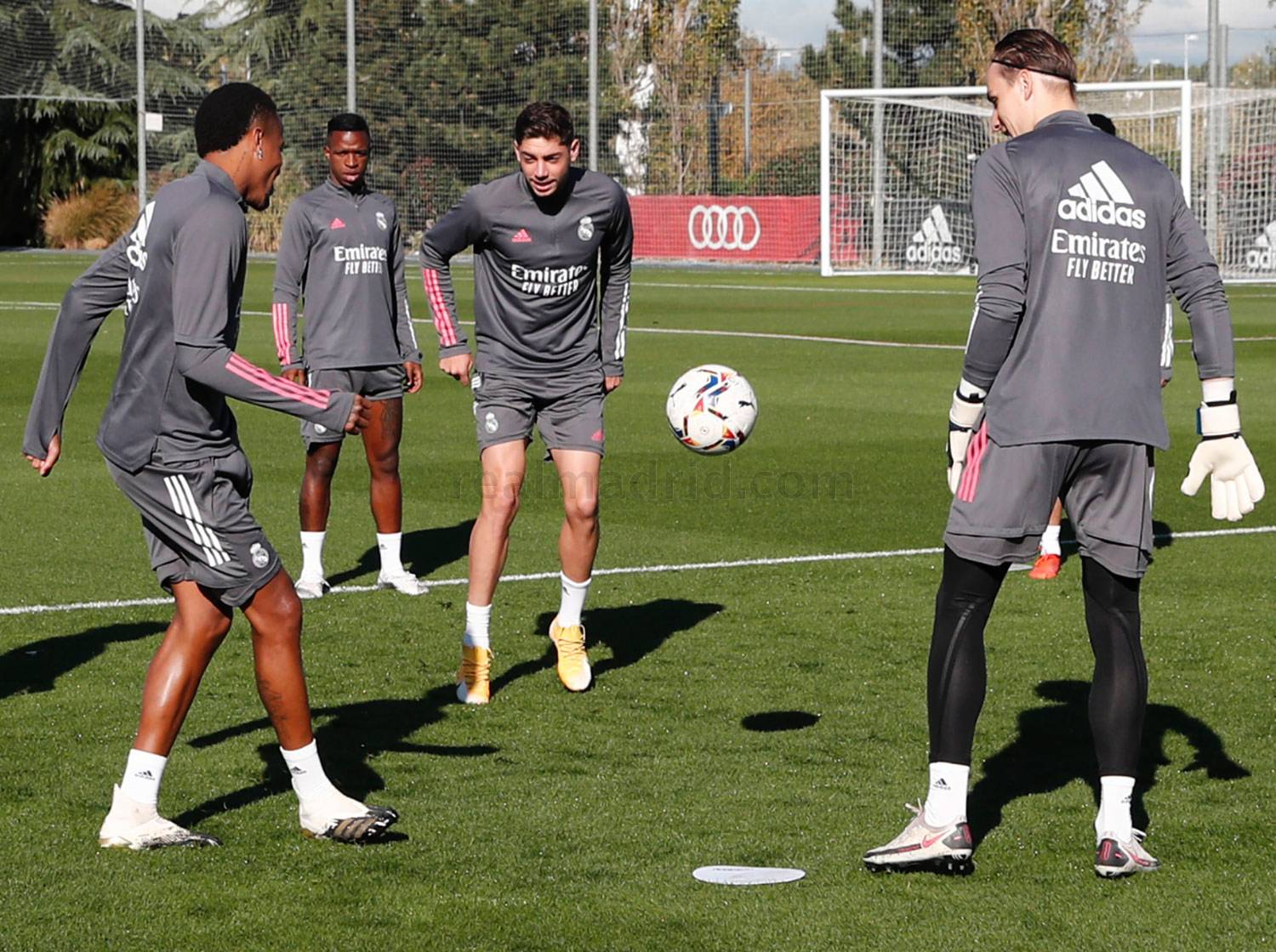 Real Madrid - Entrenamiento del Real Madrid  - 15-10-2020