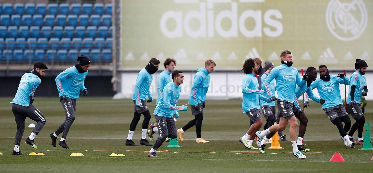 Real Madrid - Entrenamiento del Real Madrid  - 19-01-2021