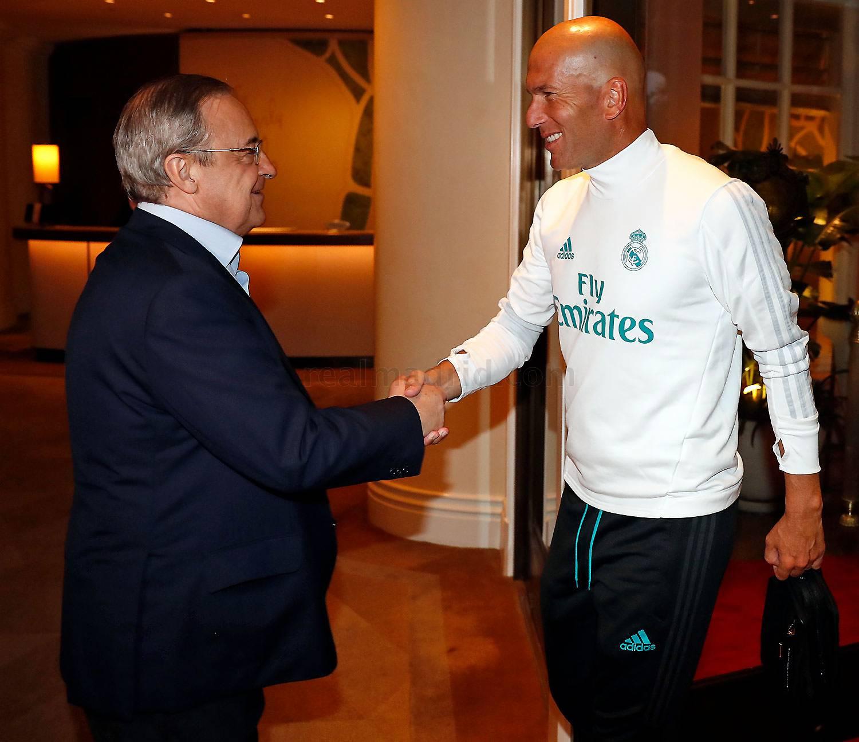 Florentino Peres va Ispaniya U-21 a'zolari Los-Anjelosga yetib keldi