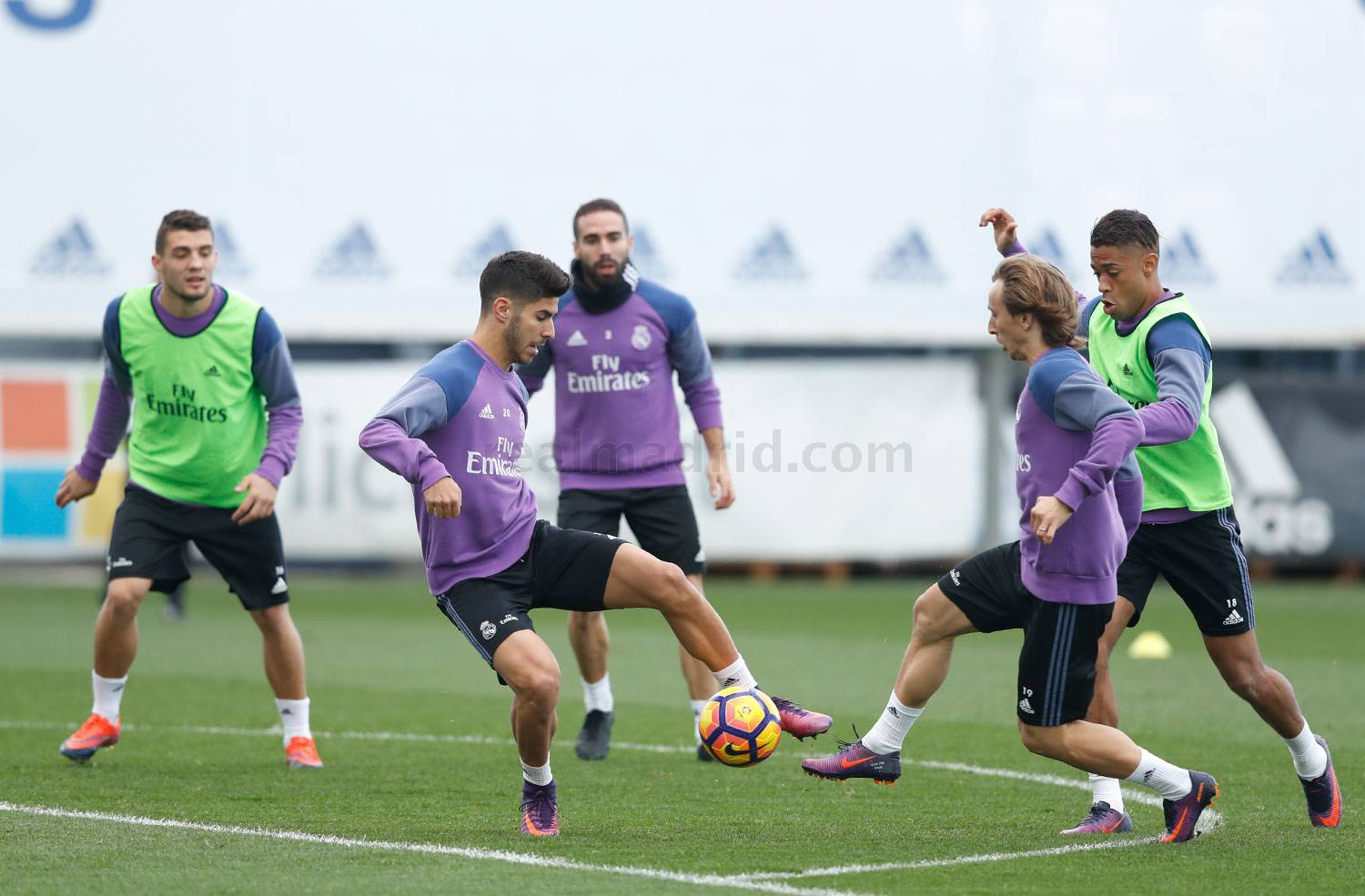 Real Madrid - Entrenamiento del Real Madrid - 05-11-2016