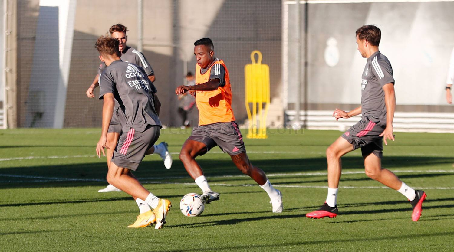 Real Madrid - Entrenamiento del Real Madrid  - 12-10-2020