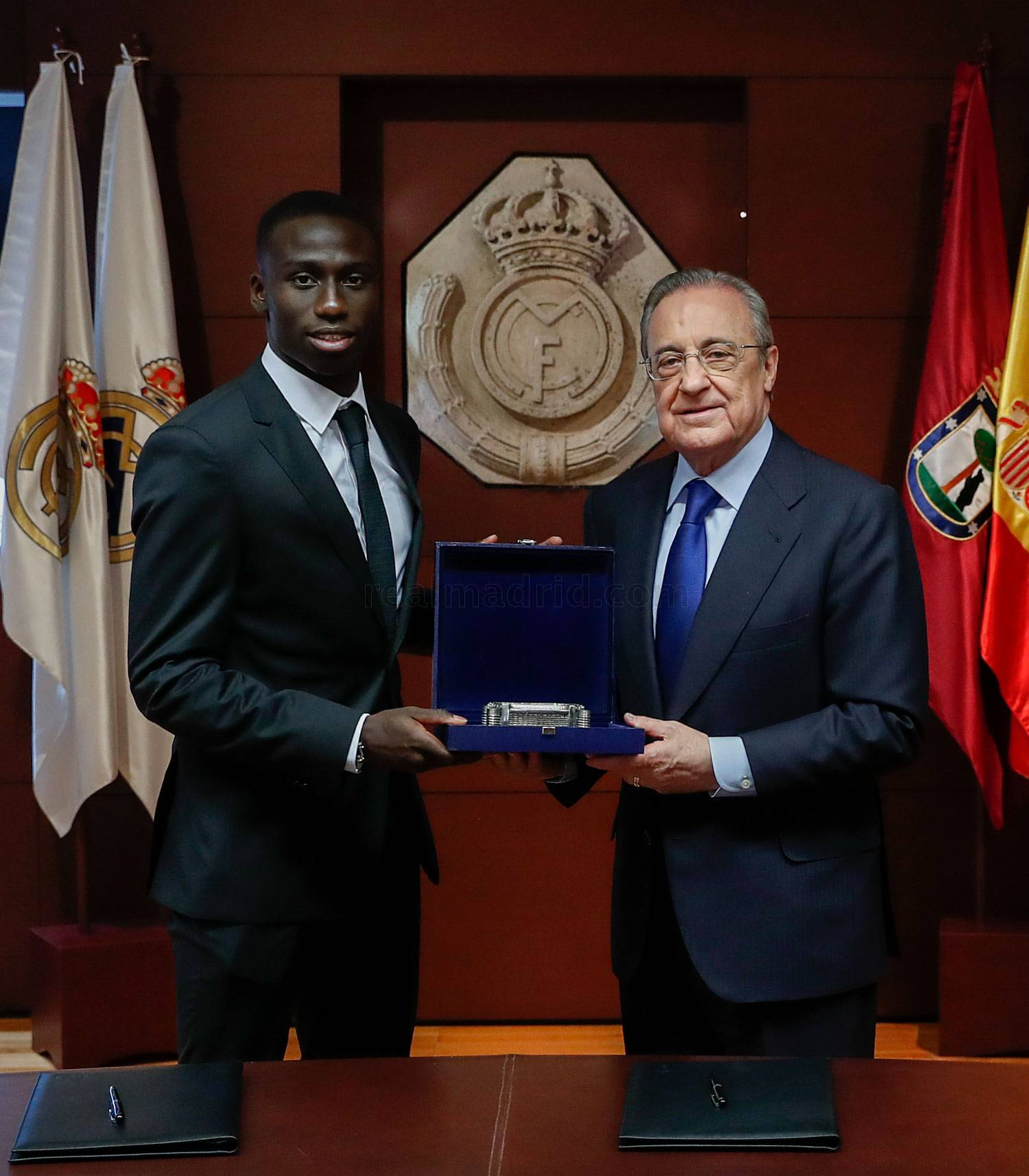 ¿Cuánto mide Ferland Mendy? - Real height _he19325_20190619013556