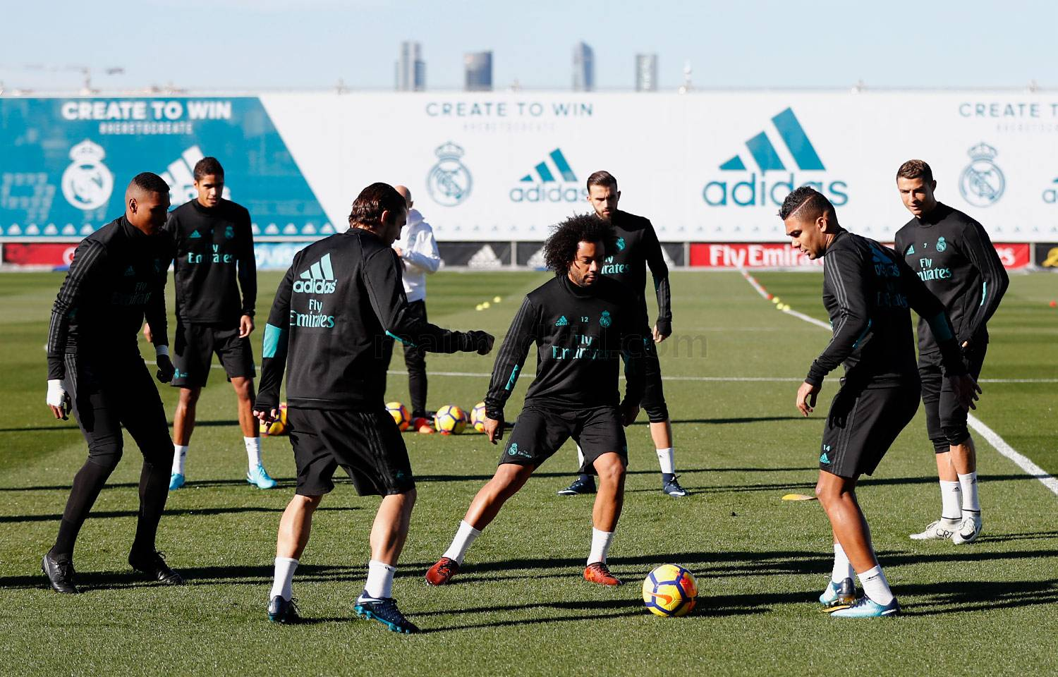 Real Madrid - Entrenamiento del Real Madrid - 17-11-2017