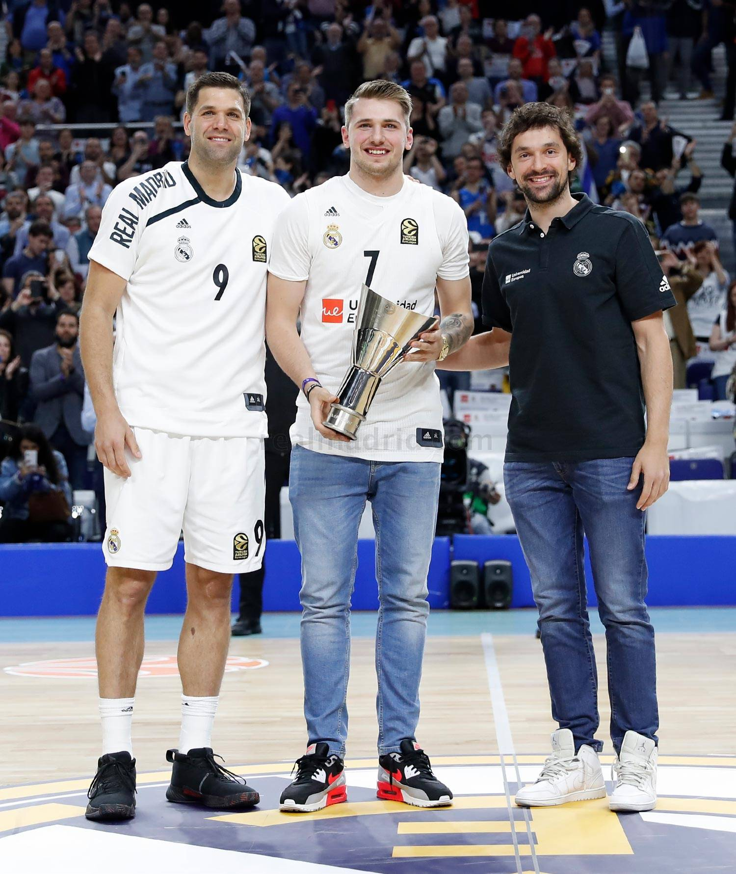 Real Madrid - Homenaje a Doncic - 17-04-2019