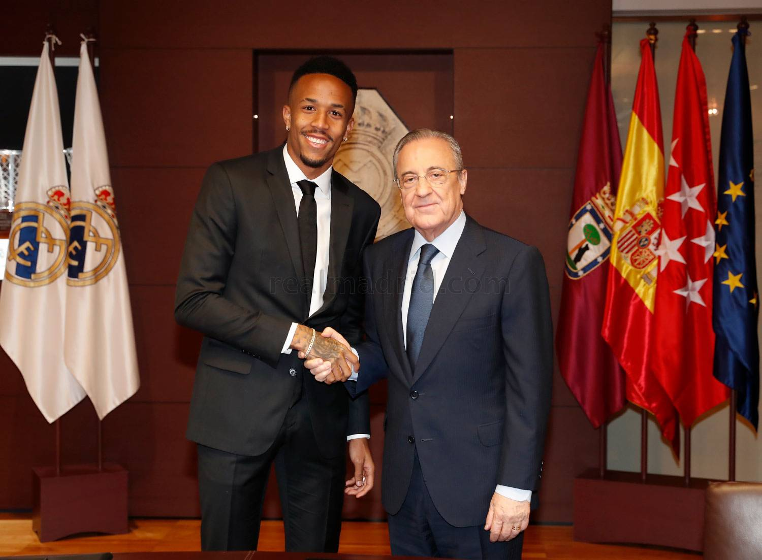 ¿Cuánto mide Eder Militao? - Real height _pca9493_20190710014041