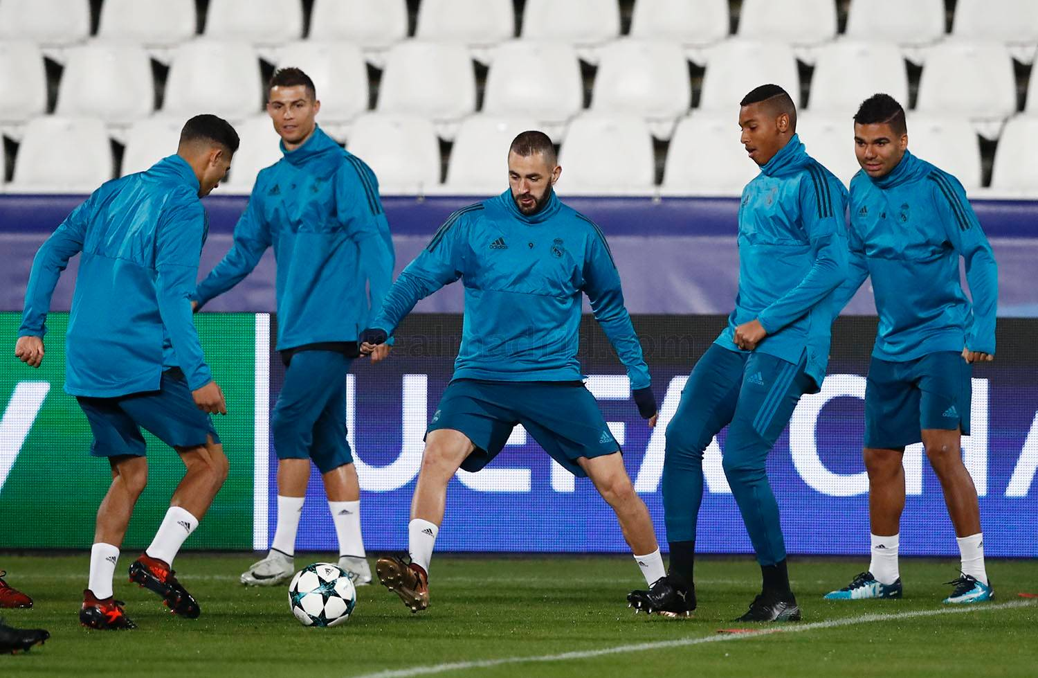 Real Madrid - Entrenamiento del Real Madrid en Nicosia - 20-11-2017