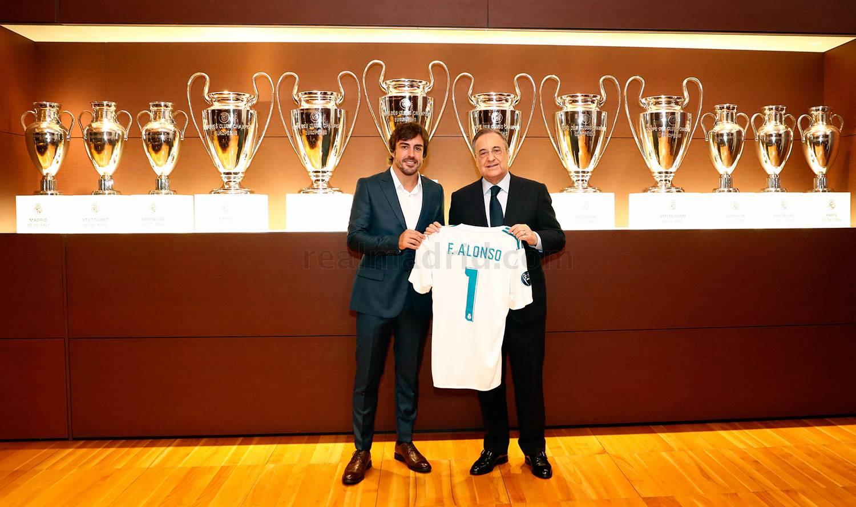 ¿Cuánto mide Fernando Alonso? - Altura - Real height Gal01_he16472