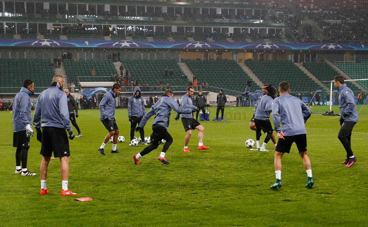Real Madrid train at Legia\u0026#39;s stadium | Real Madrid CF