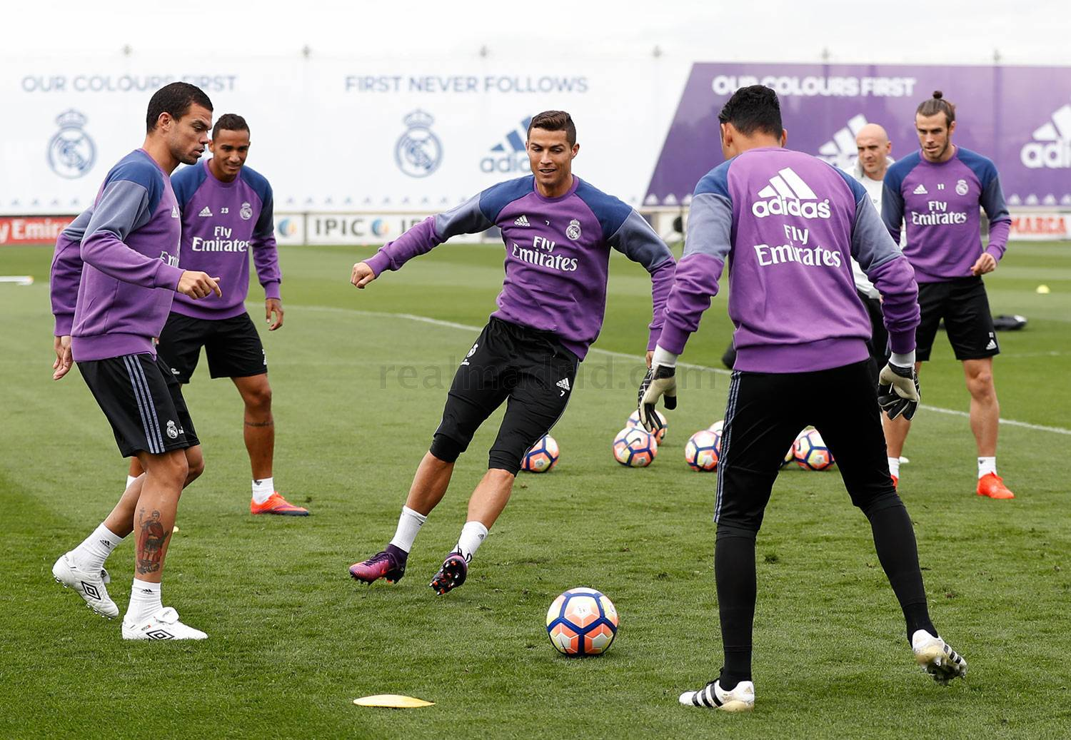 Real Madrid - Entrenamiento del Real Madrid - 14-10-2016