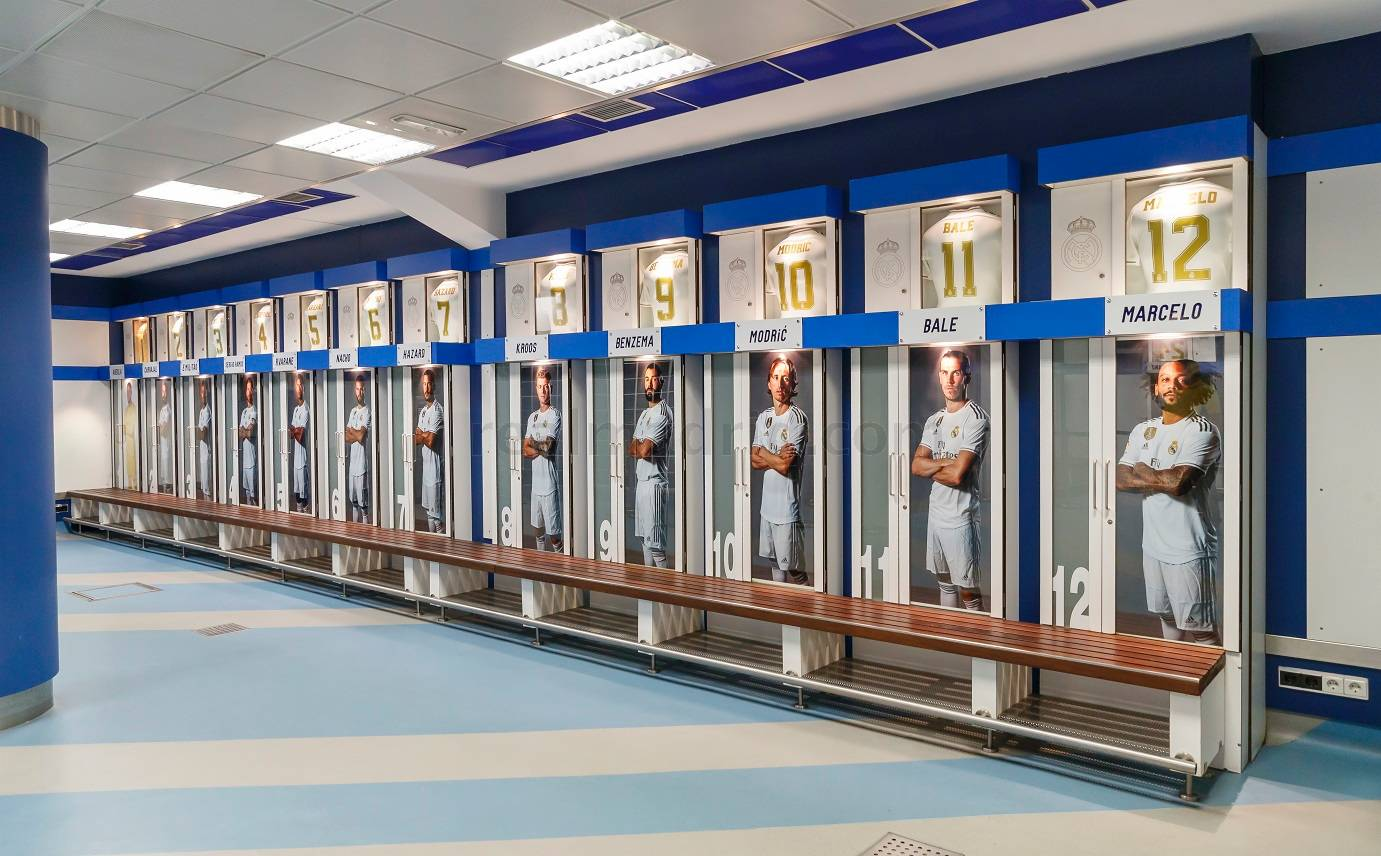 Real Madrid - Enter the dressing room and feel the excitement the players feel before going out on the pitch. - 01-10-2019