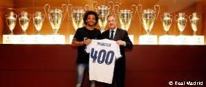 Florentino Pérez entregó una camiseta a Marcelo por sus 400 partidos