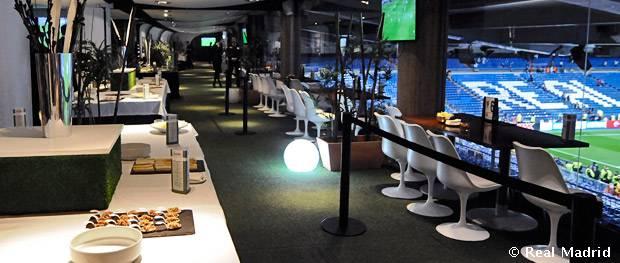 Abono de asientos vip del real caf bernab u real madrid cf for Telefono oficinas real madrid