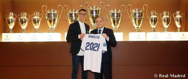 Cristiano Ronaldo firmó su ampliación de contrato con el Real Madrid
