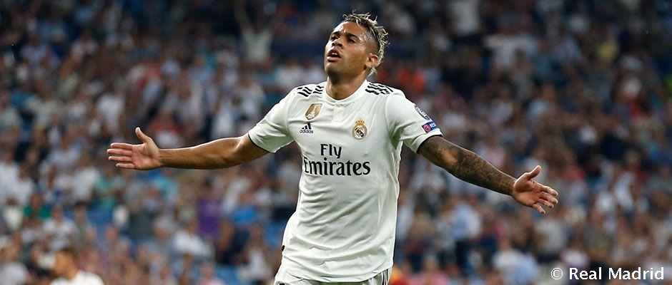 Estreno con golazo de Mariano | Real Madrid CF