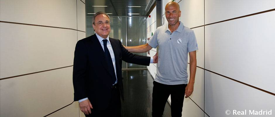 Florentino Pérez despide a los jugadores en la Ciudad Real Madrid