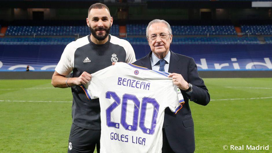 Liga/ Karim Benzema reçoit les honneurs de ses dirigeants