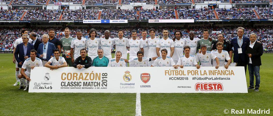 Real Madrid Chelsea Legends Go Head To Head In The Fiesta Corazon
