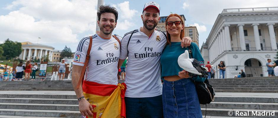 13e142d85 Real Madrid fans are already in cup final mood in Kiev | Real Madrid CF