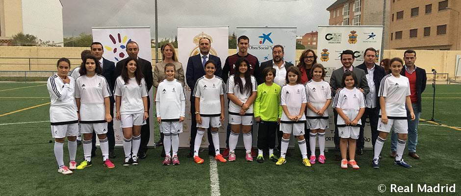 Yáñez visita escuela de la Fundación Real Madrid en Tarancón