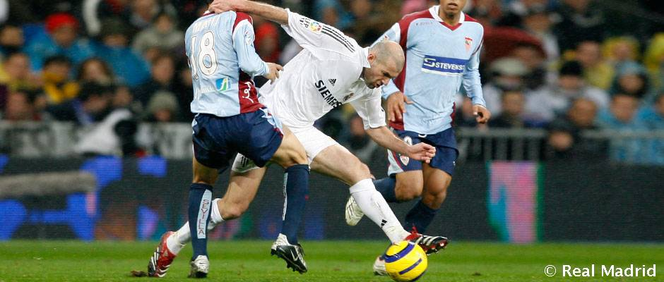 39 hat trick 39 de zidane frente al sevilla hoy en realmadrid for Real madrid sevilla hoy